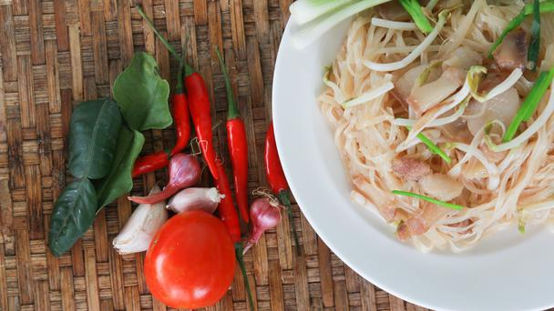 Pad thai with chillies