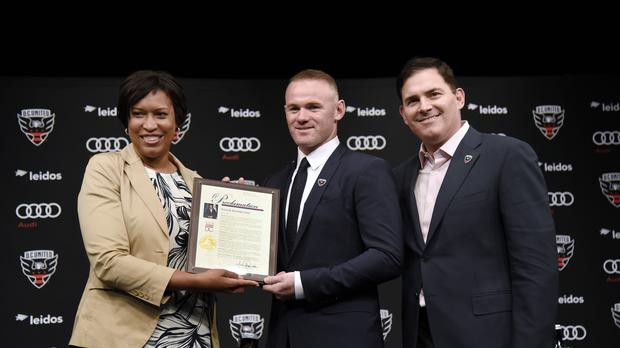 Wayne Rooney receives the Wayne Rooney Day Proclamation in Washington – (Oliver Douillery/EMPICS)