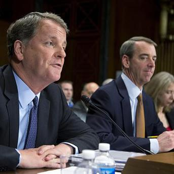 US Airways CEO Douglas Parker with American Airlines chief Thomas Horton (AP)