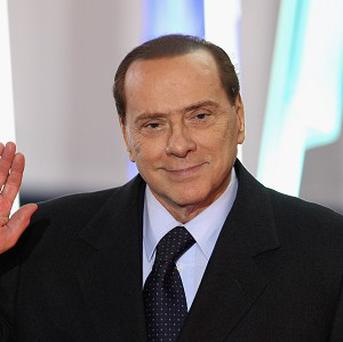 Nearly all the senators of Silvio Berlusconi's party have vowed to resign if the former premier is ousted from Parliament, the Senate president said