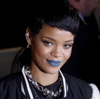 Rihanna was asked to leave an Abu Dhabi mosque after taking part in a photo shoot there