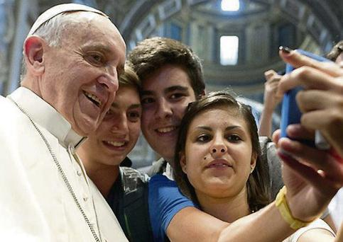 Pope takes a 'selfie