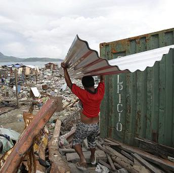The official death toll from Typhoon Haiyan has passed 6,000