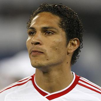 Former Hamburg footballer Paolo Guerrero was attacked at a Brazilian training centre by disgruntled fans