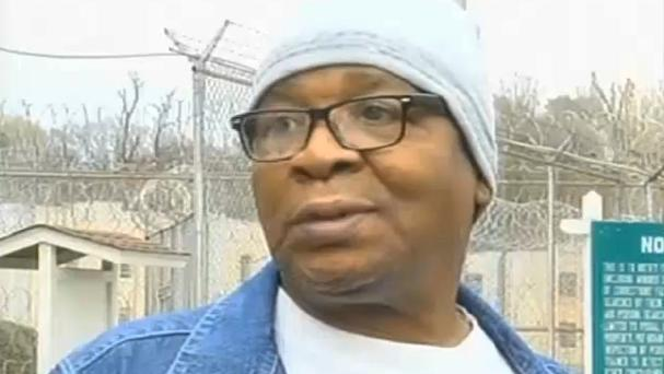 Glenn Ford leaves a maximum security prison after having spent nearly 26 years on death row (AP/WAFB-TV 9)