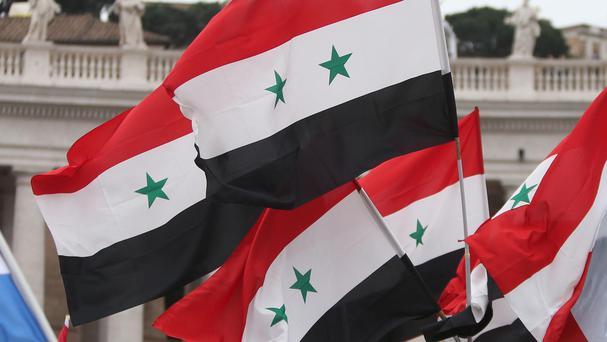 An explosion has hit a market in a town in Syria's oil-rich eastern province of Deir el-Zour