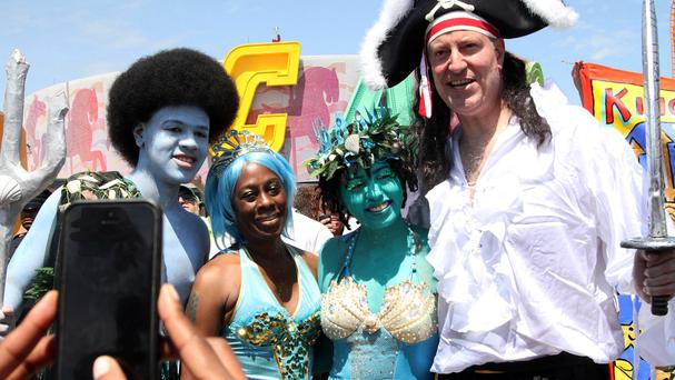 New York mayor Bill de Blasio with, from right, daughter Chiara, wife Chirlane McCray and son Dante during the Mermaid Parade (AP)