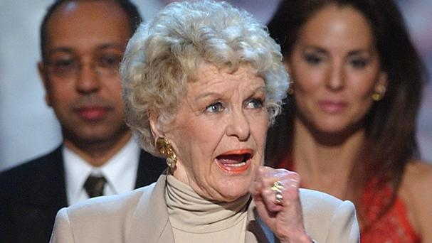 Actress Elaine Stritch died at home in Michigan