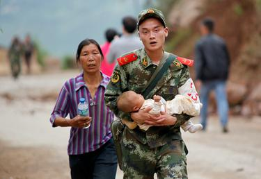 175 killed and 12,000 homes collapse in massive quake