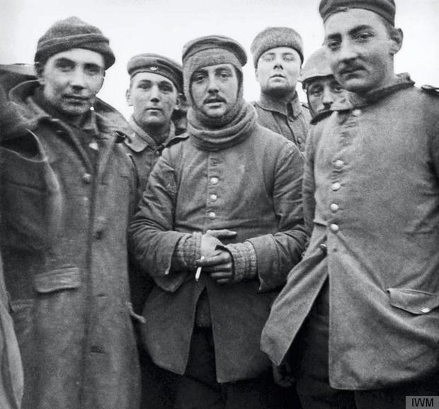 Troops mingle in no-man's land in 1914