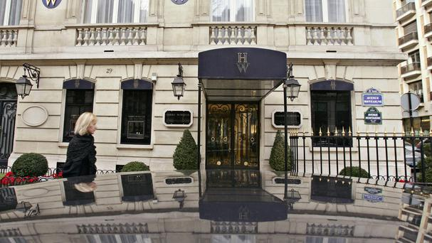 The entrance of the Harry Winston store in Paris (AP)