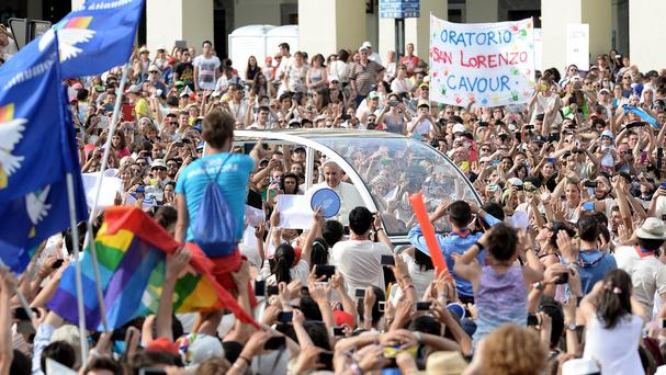 Pope Francis greeting young people in Turin