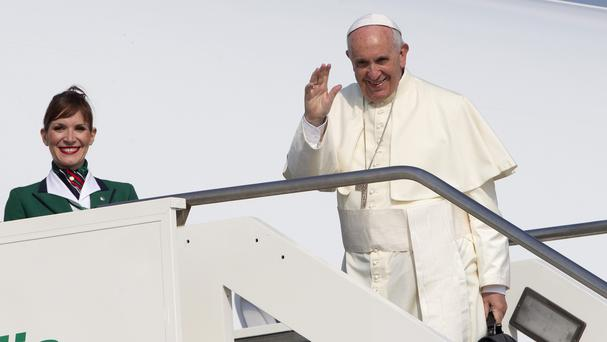 The Pope boards his flight in Rome to Ecuador (AP)