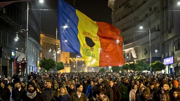 Romanians fill the Calea Victoriei during a large protest in Bucharest. (AP)