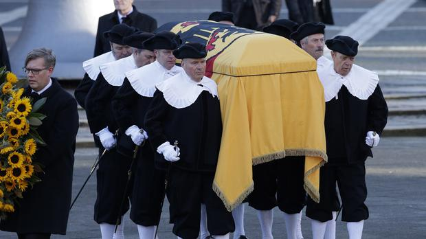 Pallbearers carry the coffin of former chancellor Helmut Schmidt in Hamburg. (AP)