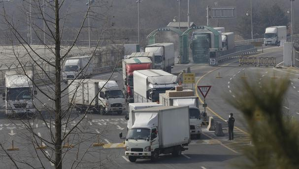 South Korean vehicles returning from North Korea's joint Kaesong industrial complex (AP)