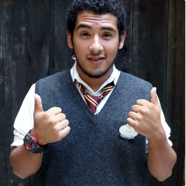 Luis Vielma in his Hogwart's tie, as tweeted by JK Rowling