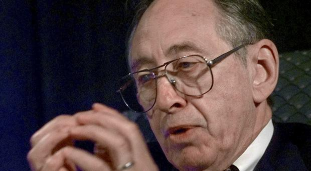 Alvin Toffler pictured in 1998 (AP)