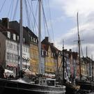 Police in Copenhagen took euros and dollars from the migrants