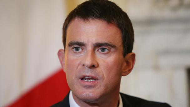 French premier Manuel Valls is offering new tax breaks and international schooling to attract London-based firms