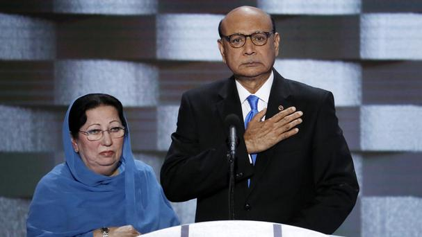 Trump meets Gold Star families in wake of Khan controversy
