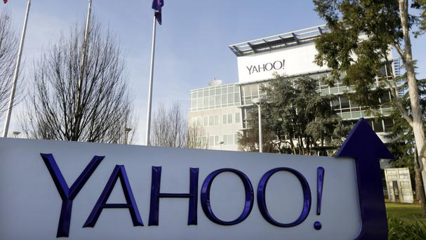 Yahoo scans all of its email traffic (AP)