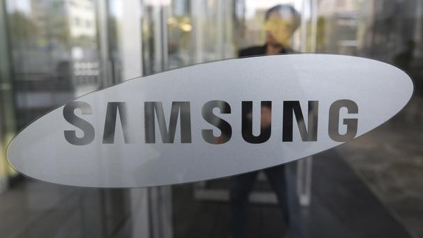 Samsung reported a sharp fall in its quarterly earnings as the unprecedented recall and discontinuation of the Galaxy Note 7 smartphones wiped out its mobile profit (AP)