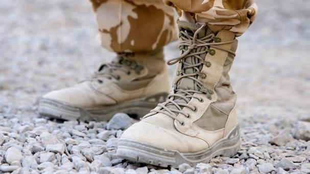 A US commando died in a dawn raid in southern Yemen yesterday that killed around 30 people including al-Qa'ida suspects and civilians, the US military and local Yemeni officials said.