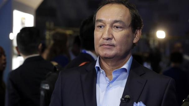 United Airlines CEO Oscar Munoz says the company will review its policies (AP)