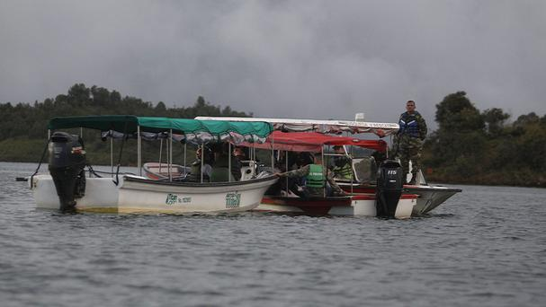 Tourist boat with 150 aboard sinks near Colombian city