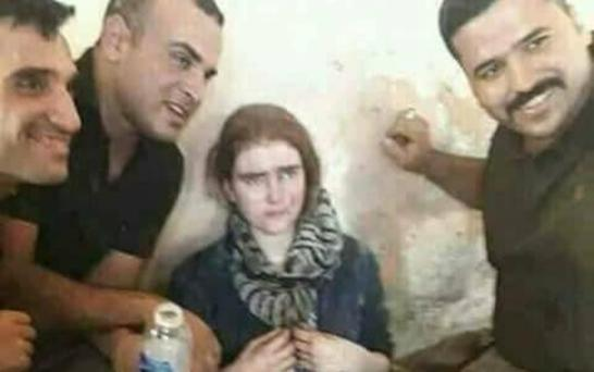 Iraqi soldiers with Linda Wenzel
