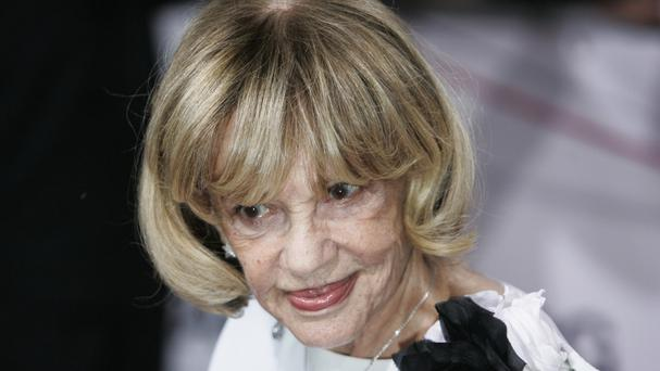 Jeanne Moreau: Madonna and Dame Helen Mirren pay tribute to French star