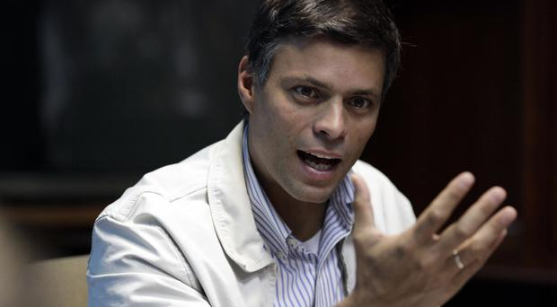 Opposition leader Leopoldo Lopez (AP/Ariana Cubillos)