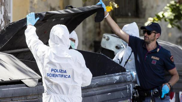 Severed woman's legs found in Rome bin (3)