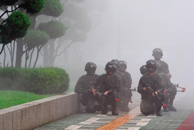 Soldiers in an anti-terror drill at the National Assembly in Seoul as part of a South Korea-US joint military exercise. Photo: Getty Images