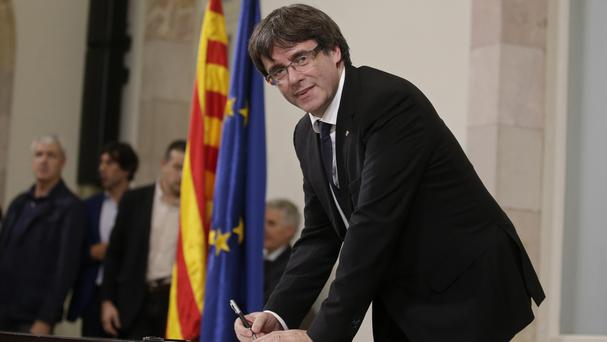 Spain's Socialist party agrees with gov't to ask Catalonia to clarify