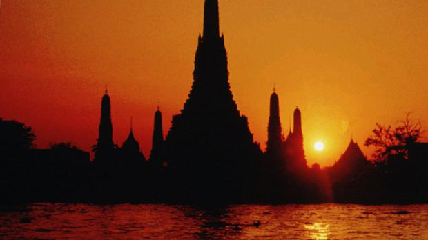 The men are said to have exposed themselves beside Wat Arun or Temple of Dawn.