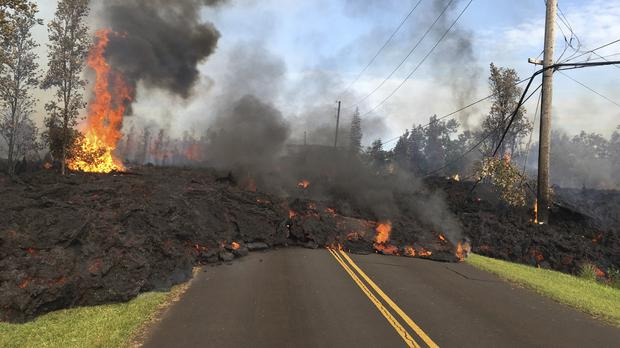Lava slowly advances in the Leilani Estates