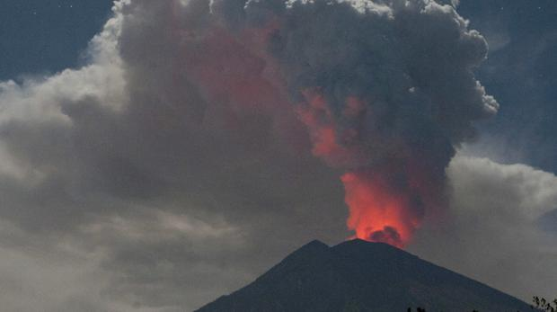 Mount Agung's crater glows red (AP)