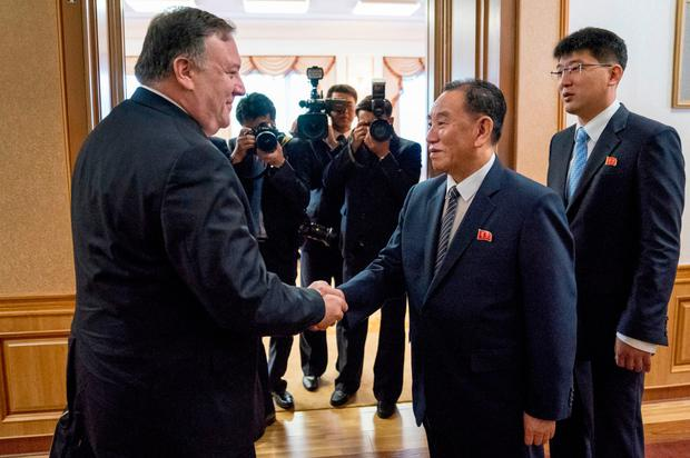 US Secretary of State Mike Pompeo (L) shakes hands with Kim Yong Chol (R), a North Korean senior ruling party official and former intelligence chief. Photo: AFP/Getty Images