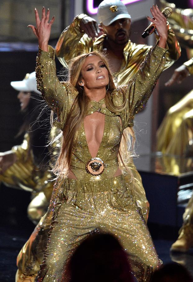 Video Vanguard award winner Jennifer Lopez performs. Photo: Chris Pizzello/Invision/AP