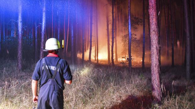 Huge wildfire spreads southwest of Berlin
