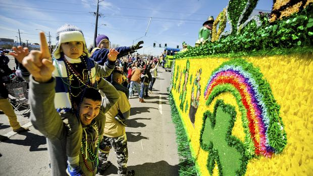 The Krewes of Argus and the Elks-Jeffersonians roll on Mardi Gras day (Shawn Fink/The Advocate via AP)