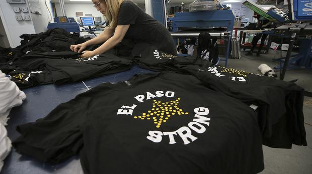 Fundraising El Paso Strong t-shirts in Texas (Mark Lambie/The El Paso Times via AP)