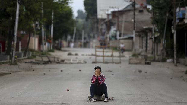 India to deliver Eid food supplies to Kashmir as curfew kept in