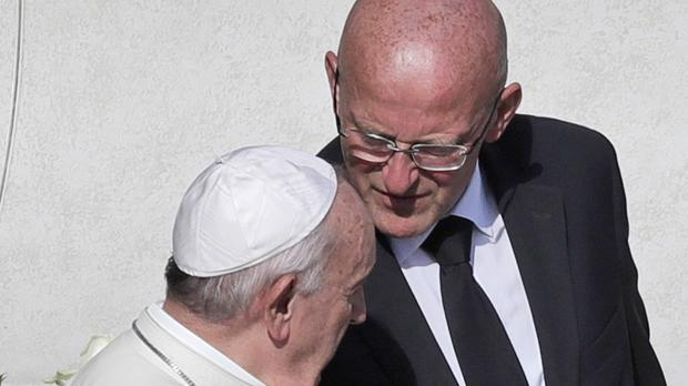 Vatican security head resigns after memo was leaked