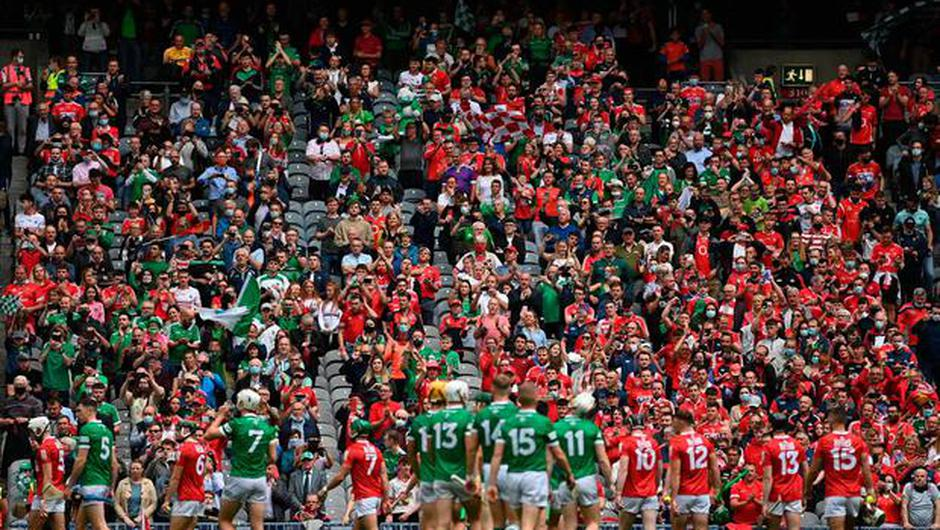 Supporters watch the parade before the GAA Hurling All-Ireland Senior Championship Final match between Cork and Limerick in Croke Park, Dublin. Photo by Harry Murphy/Sportsfile