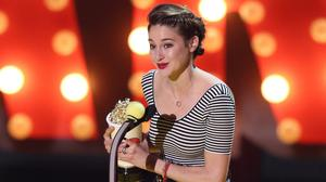 Shailene Woodley with her best female performance award at the MTV Movie Awards (Invision/AP)
