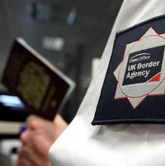 The number of immigrants arriving in the UK fell by 84,000 in the year to June 12