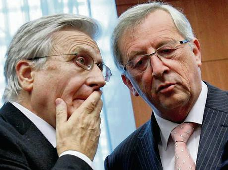 Jean Claude Trichet, in discussion with Jean-Claude Juncker. Photo: Virginia Mayo